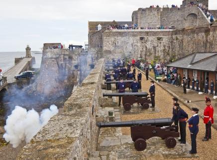 Cannons firing